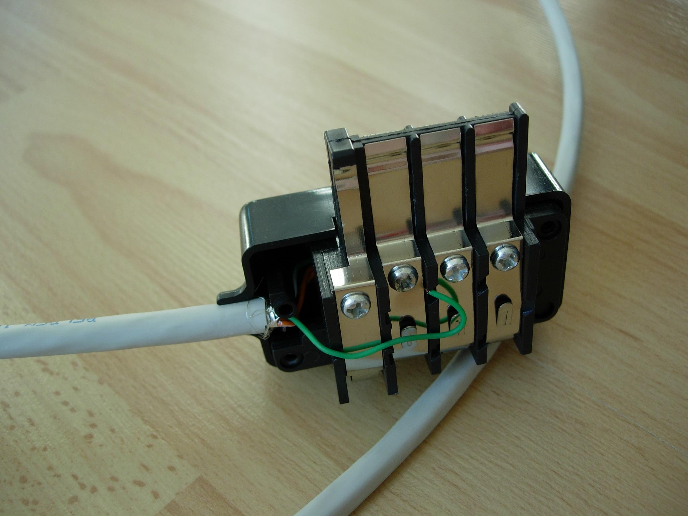 felinewave utiliser les prises t l phoniques pour le r seau ethernet. Black Bedroom Furniture Sets. Home Design Ideas